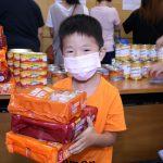 派發700份防疫包、食用品予基層家庭 親子義工在疫情下送暖